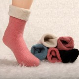 Wholesale - 10pcs/Lot LR Women Winter Solid Color Thickened Woolen Socks Room Socks Mixed Colors