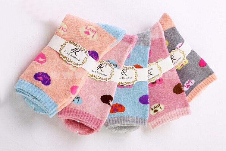 10pcs/Lot Cartoon Women Winter Thickened Woolen Socks Room Socks -- LOVE Mixed Colors