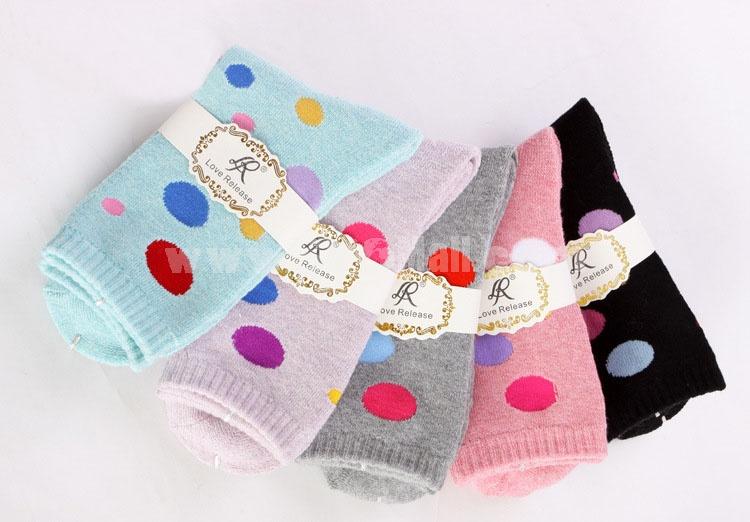 10pcs/Lot Cartoon Women Winter Thickened Woolen Socks Room Socks -- Polka Dots Mixed Colors
