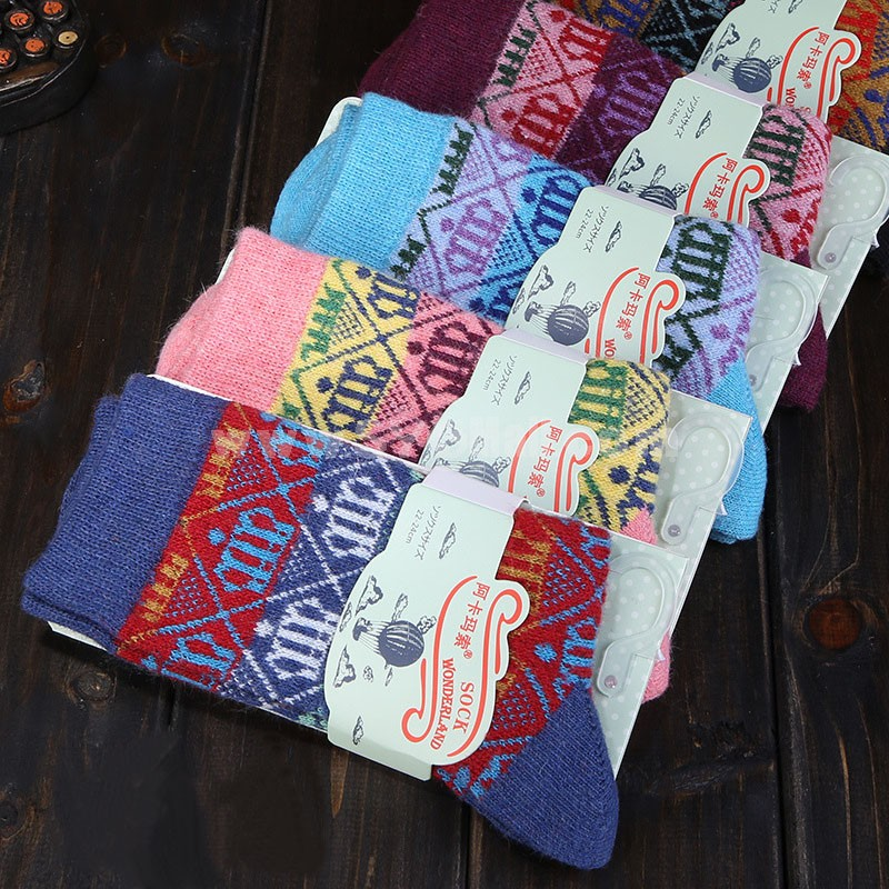 10pcs/Lot Ethnic Style Women Winter Thickened Cony Hair Socks Room Socks -- Crowns Mixed Colors