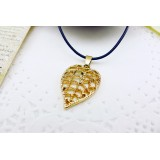 Wholesale - Fashion Character Leaf Pendant Necklace Charm Chain Jewelry for Women X32