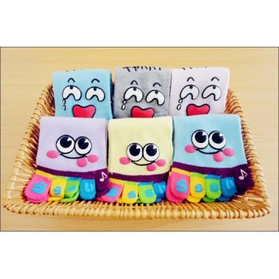 http://www.orientmoon.com/12419-thickbox/cute-cartoon-face-toe-socks.jpg