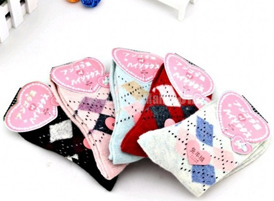 Warm cartoon grids pattern woolen floor socks