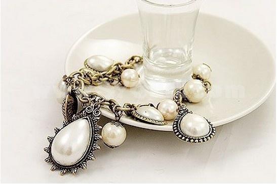 Vintage Peach Heart Water Drop Pearl Bracelet (TA140)