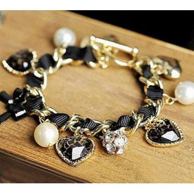 http://www.orientmoon.com/16060-thickbox/ribborn-faddish-diamnods-leopard-peach-heart-pearl-bowknot-pendants-bracelet-tk060.jpg