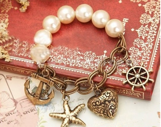 Vintage Imitation Pearl Strand with Rudder & Starfish & Peach Heart Pendants Bracelet (TB494)