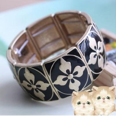 http://www.orientmoon.com/16081-thickbox/exquisite-vintage-black-flora-bracelet-tk164.jpg