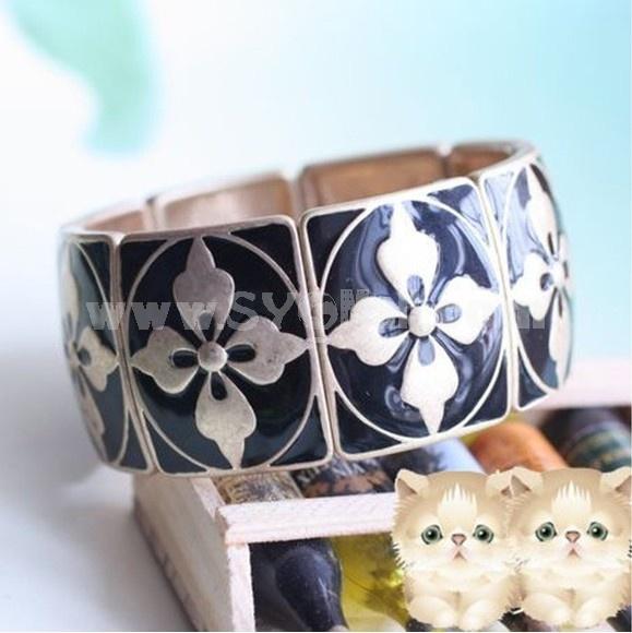 Exquisite Vintage Black Flora Bracelet (TK164)