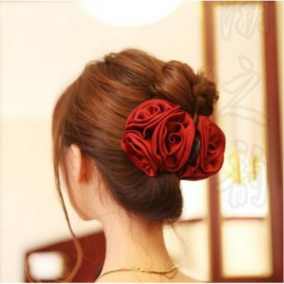http://www.orientmoon.com/17395-thickbox/ta18-korean-style-rose-design-hair-clip.jpg