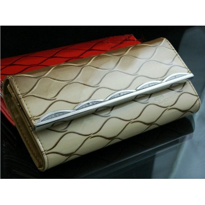 http://www.orientmoon.com/17535-thickbox/stylish-stripe-printed-pu-long-women-wallet-evening-handbag-clutch.jpg