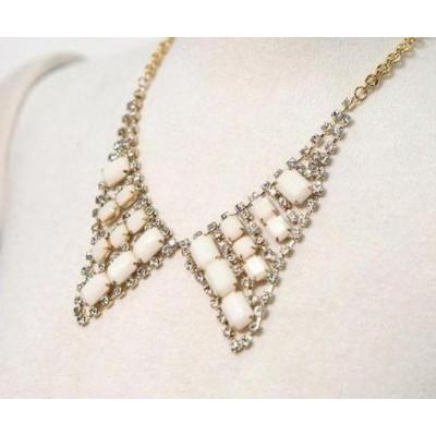 http://www.orientmoon.com/17631-thickbox/korea-shiny-vintage-jewel-collar-tb108.jpg