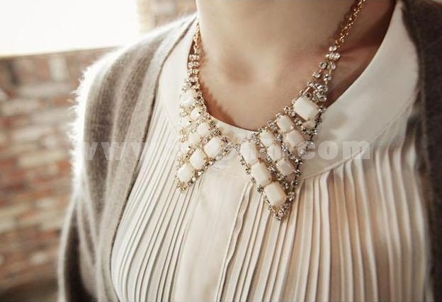 Korea Shiny Vintage Jewel Collar (TB108)