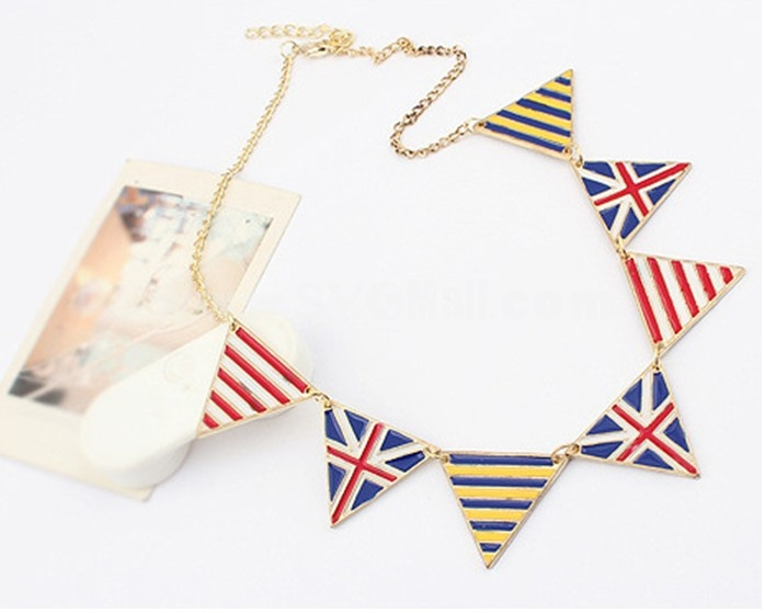 Vintage Faddish Triangle National Flag Necklace (TF39)