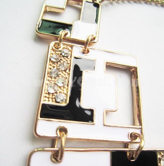 Faddish Geometry Shape Diamonds Necklace (TF30)