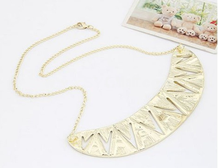 Faddish Triangle Alloy Necklace (TF34)