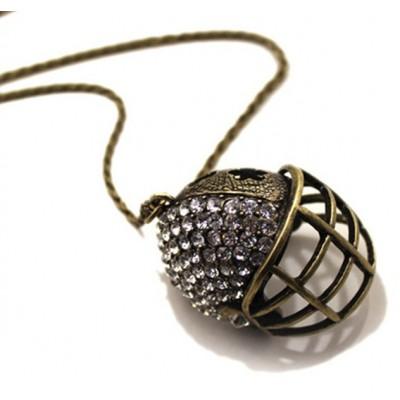http://www.orientmoon.com/17725-thickbox/stylish-gold-helmet-necklace-ta75.jpg