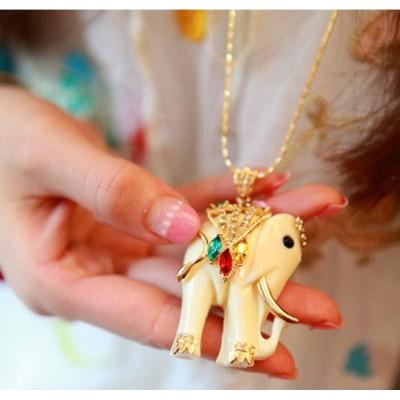 http://www.orientmoon.com/17728-thickbox/exquisite-retro-colour-rhinestone-necklace-tk156.jpg