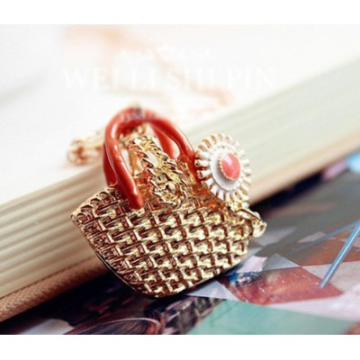 http://www.orientmoon.com/17819-thickbox/exquisite-knitting-bag-daisy-pendant-alloy-sweater-chain-tes0046.jpg