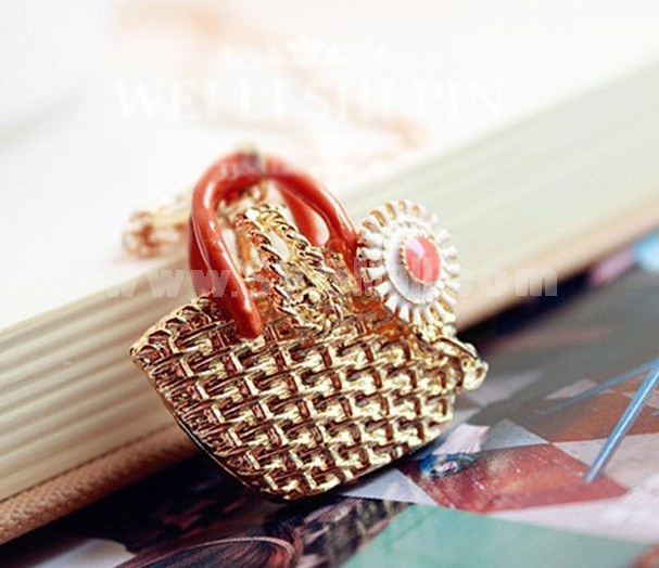Exquisite Knitting Bag Daisy Pendant Alloy Sweater Chain (TES0046)