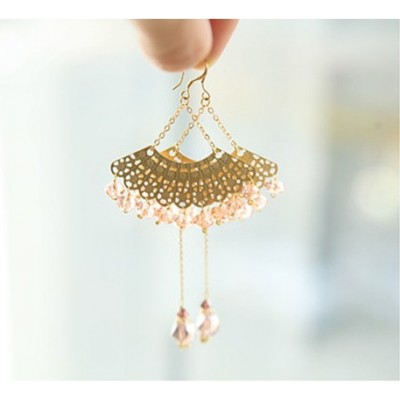 http://www.orientmoon.com/17924-thickbox/exquisite-fan-shaped-crystal-earring.jpg