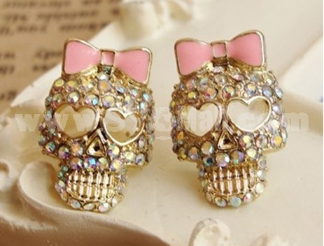 Vintage Diamonds Skull & Pink Bowknot Earring