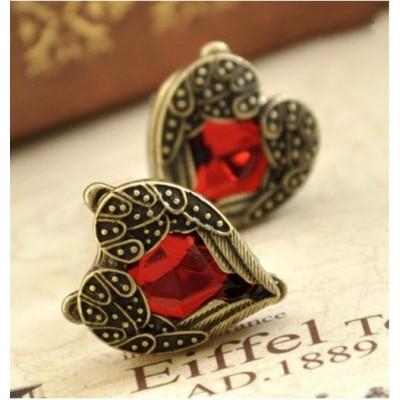 http://www.orientmoon.com/17999-thickbox/vintage-angel-wing-peach-heart-earring.jpg