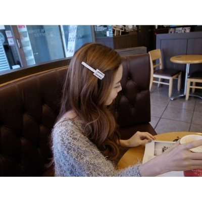 http://www.orientmoon.com/19318-thickbox/to1046-korean-style-shining-hair-clip.jpg