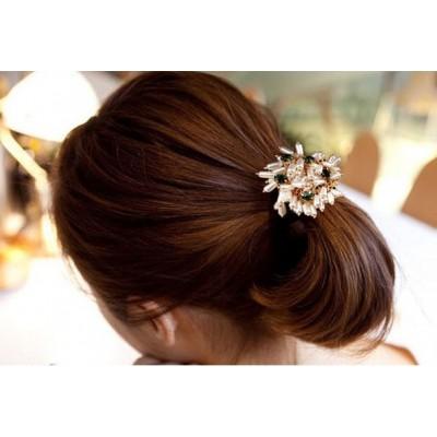 http://www.orientmoon.com/19399-thickbox/women-s-pearl-flower-hair-tie.jpg
