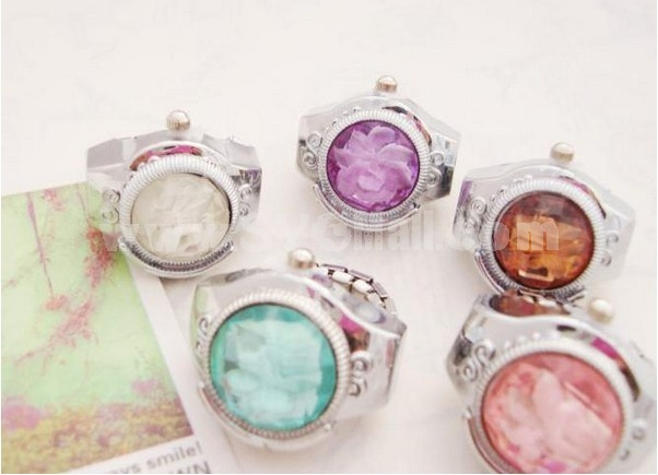 Stylish Rhinestone Finger Watch