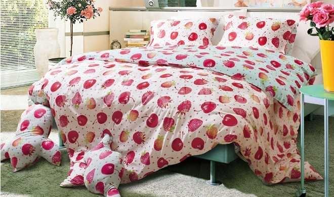 MENDALE 4PCs Comfortable Cartoon Pattern Warm Keeping Cotton Beddings