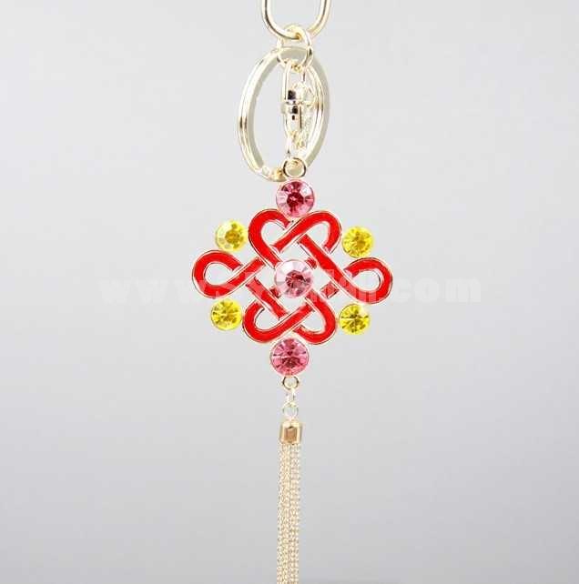 Stylish Chinese Knot Pattern Diamonds Keychain