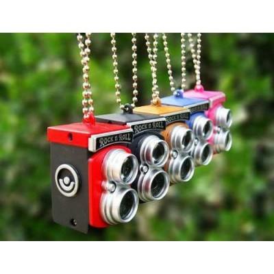 http://www.orientmoon.com/24147-thickbox/vintage-camera-pattern-flashlight-keychain.jpg