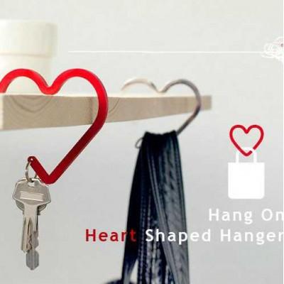 http://www.orientmoon.com/24163-thickbox/korea-simple-heart-alloy-keychain.jpg