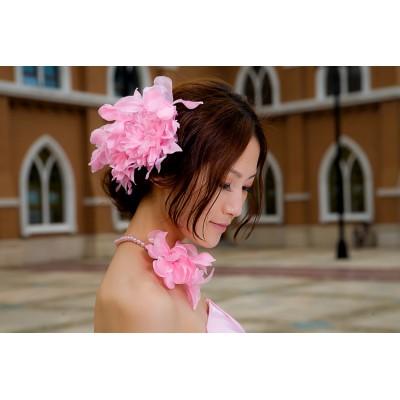 http://www.orientmoon.com/42311-thickbox/pink-gorgeous-tulle-polyester-wedding-bridal-flower-corsage-headpiece-07.jpg