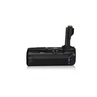 http://www.orientmoon.com/58251-thickbox/pixel-battery-grip-for-canon-eos-7d-bg-e7.jpg