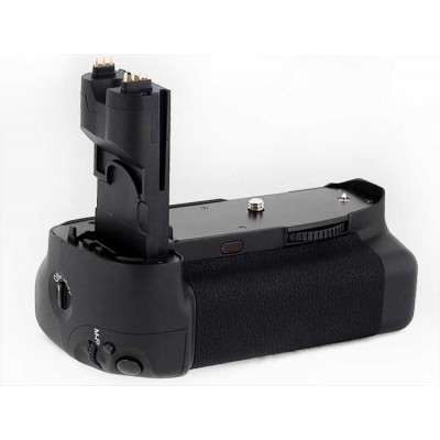 http://www.orientmoon.com/58289-thickbox/aputure-lcd-battery-power-grip-for-canon-7d-ap-e7-ii.jpg