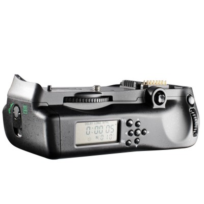 http://www.orientmoon.com/58292-thickbox/aputure-battery-grip-with-lcd-screen-for-nikon-d300-d300s-d700-bp-d10-ii.jpg