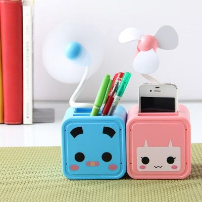 http://www.orientmoon.com/58553-thickbox/mini-fan-cartoon-box-style-usb-battery-powered-portable-k1109.jpg