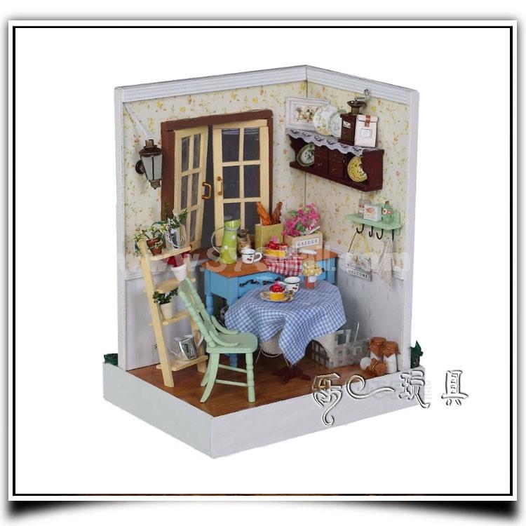 F002 Wooden DIY Handmade Assembly Mini House
