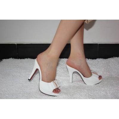 http://www.orientmoon.com/63000-thickbox/stilette-heel-sandals-slippers-with-bowknot.jpg