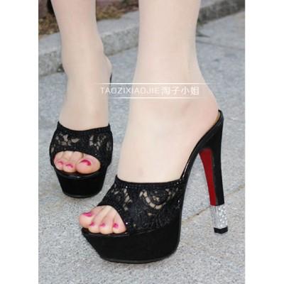 http://www.orientmoon.com/63193-thickbox/lace-chunky-heel-sandals.jpg