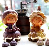 Wholesale - Vintage Resin Doll Pattern Family Artware