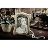 "Wholesale - European Style Resin Photo Frame Pattern Family Artware 7"""