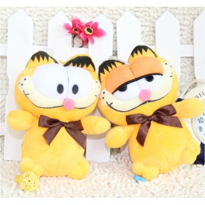 http://www.orientmoon.com/67943-thickbox/lovely-garfield-plush-toys-set-2pcs-1812cm.jpg
