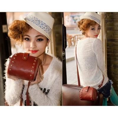 http://www.orientmoon.com/74591-thickbox/charming-stylish-pu-rivet-pattern-casual-bag-shoulder-bag-messenger-bag-dl196.jpg
