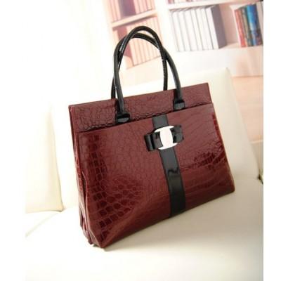 http://www.orientmoon.com/74613-thickbox/charming-stylish-ol-pu-croco-pattern-bag-shoulder-bag-dl601.jpg
