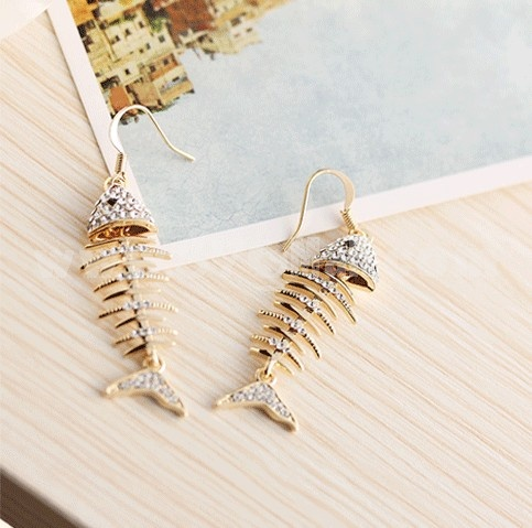 Exquisite Long Pattern Rhinestone Fishes Pisces Pattern 18K Gold Plating Drop Earring
