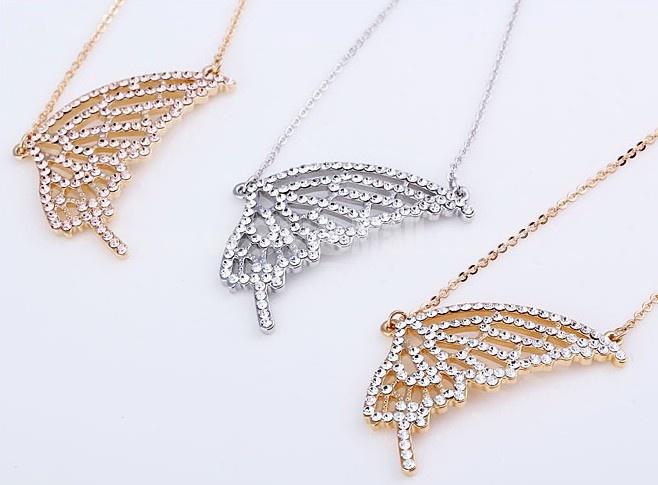 Women's Exquisite Retro Rhinestone Butterfly Wing 18K Gold Plating Choker