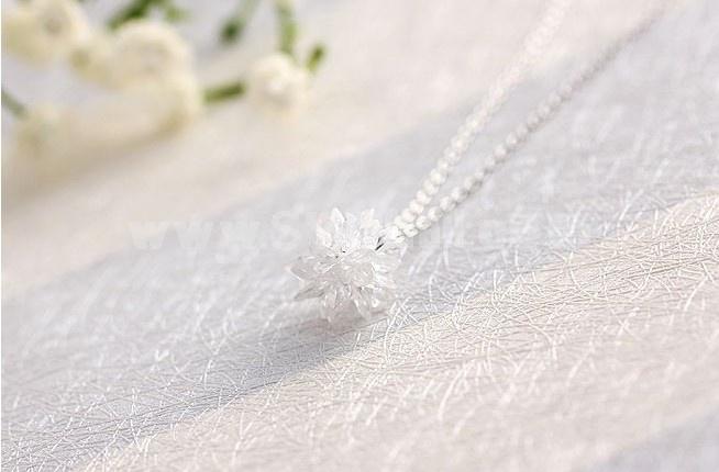 Women's Exquisite Flora Pattern Crystal 18K Gold Plating Choker