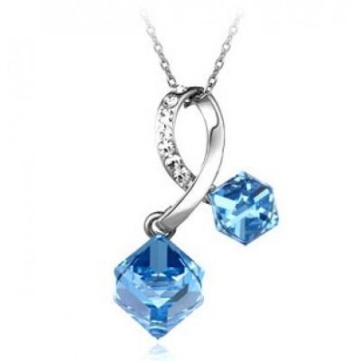 http://www.orientmoon.com/77201-thickbox/women-s-swarovski-element-ol-pattern-exquisite-crystal-choker.jpg